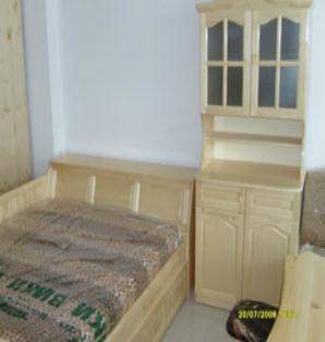 Купувам Обзавеждане за спалня от иглолистен материал