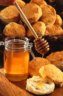 Купувам Пчелен мед от Апиакта 97 ООД