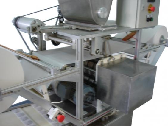 Купувам Пакетиращ автомат за опаковане на смлени билки и чай във филтърни опаковки