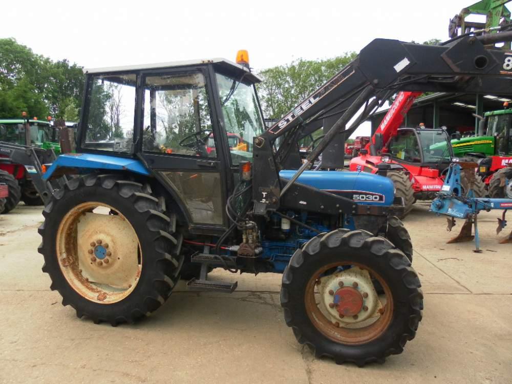 Купувам Трактор FORD - 5030
