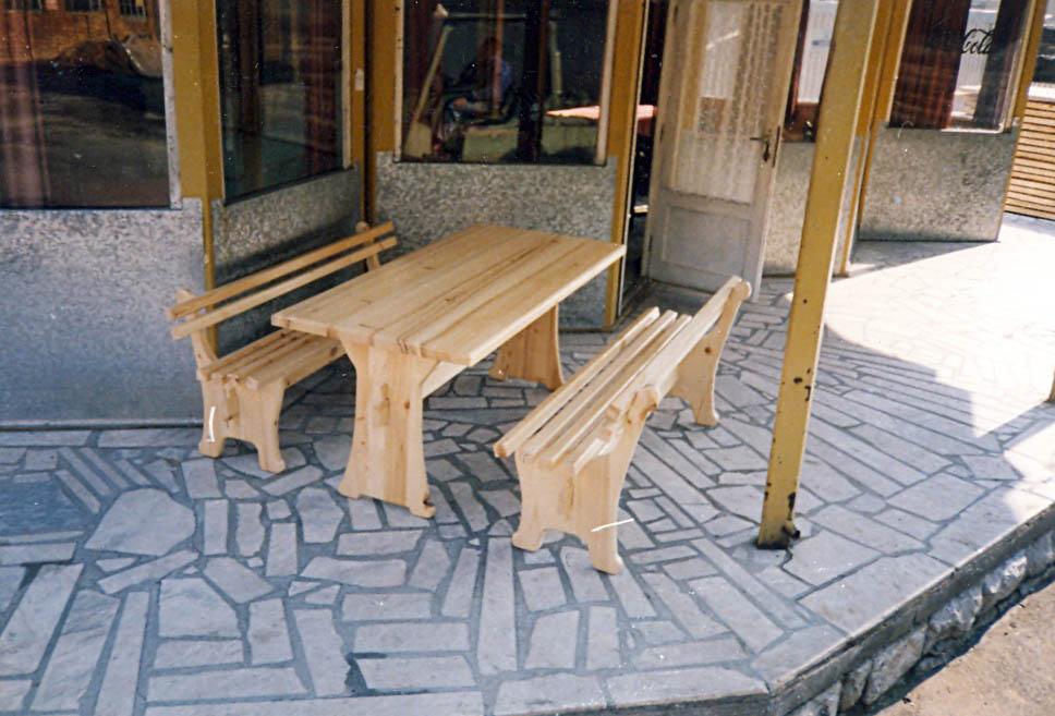 Купувам Маса с пейки дървени
