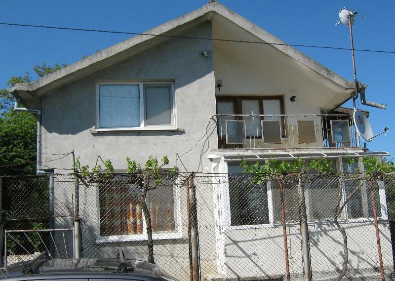 Купувам Къща в с. Росен