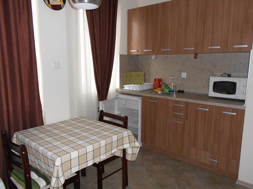 Купувам Обзаведен двустаен апартамент в нова сграда в град Поморие