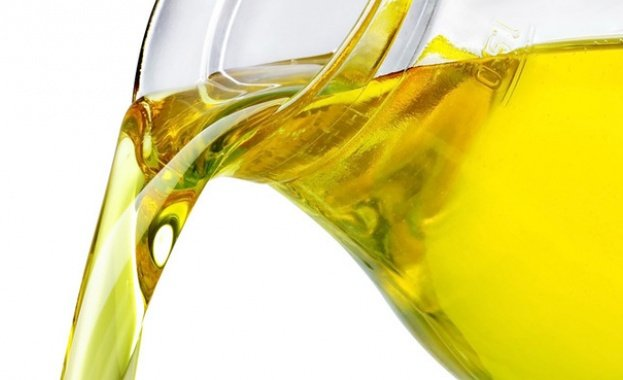 Купувам Слънчогледово олио, цена за тон без ДДС