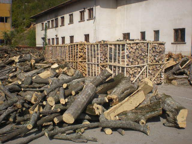 Купувам Дърва за огрев