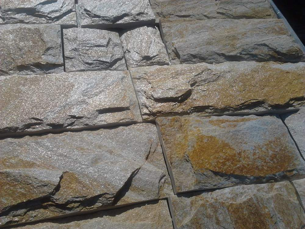 Купувам Натурален камък гнайс