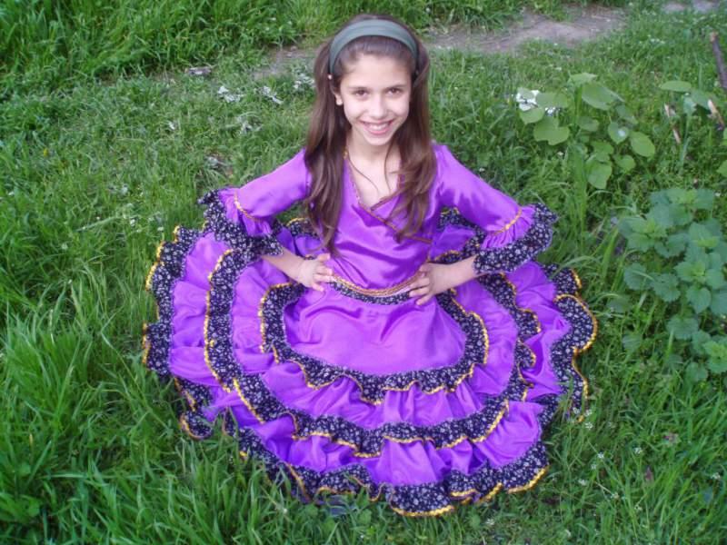 Танцови костюми