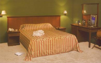 Купувам Мебели за хотел серия Тифани