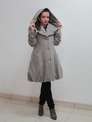 Купувам Дамско вълнено палто с качулка