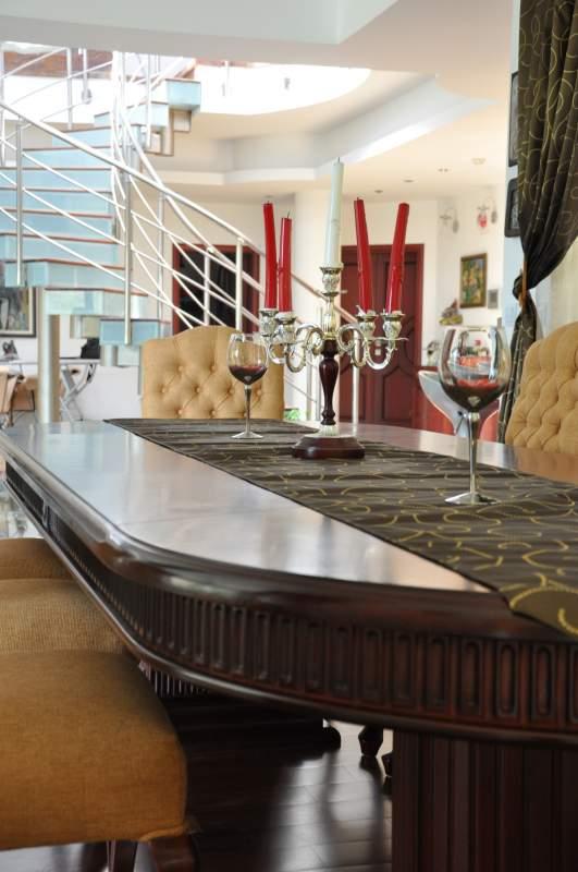 Купувам Луксозни мебели