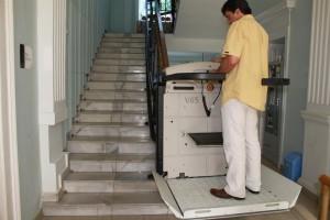 Купувам Платформа за движение по стълбища със завои V65