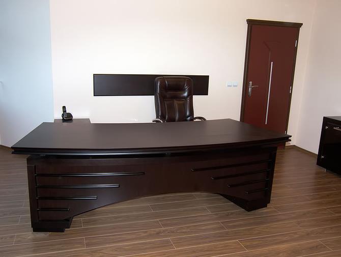 Купувам Мебели за кабинет
