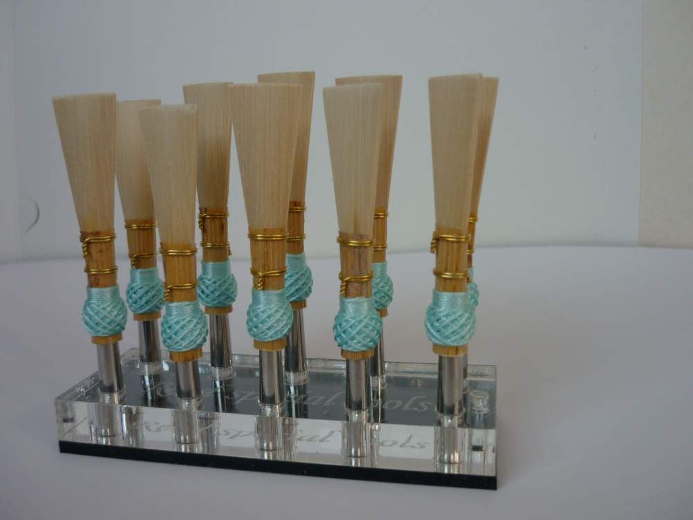 Купувам A bundle of 10 bassoon reed blanks from Alliaud canes