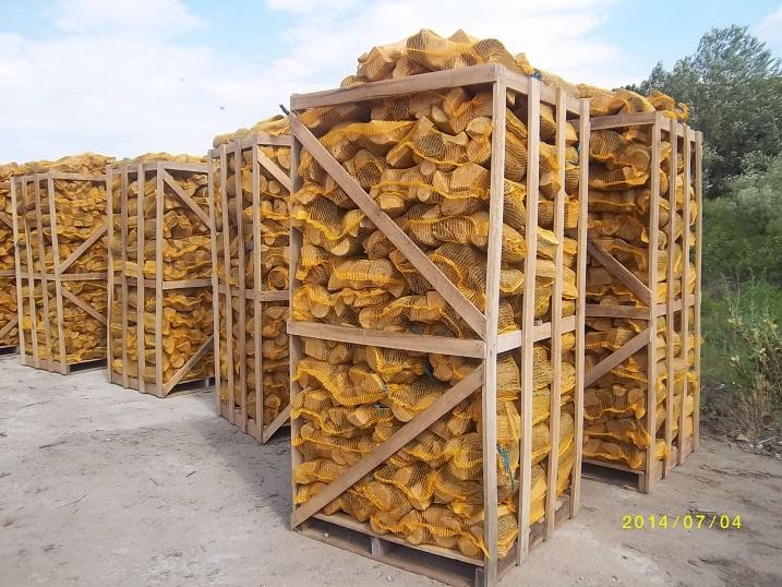 Купувам Oak firewood in net bags