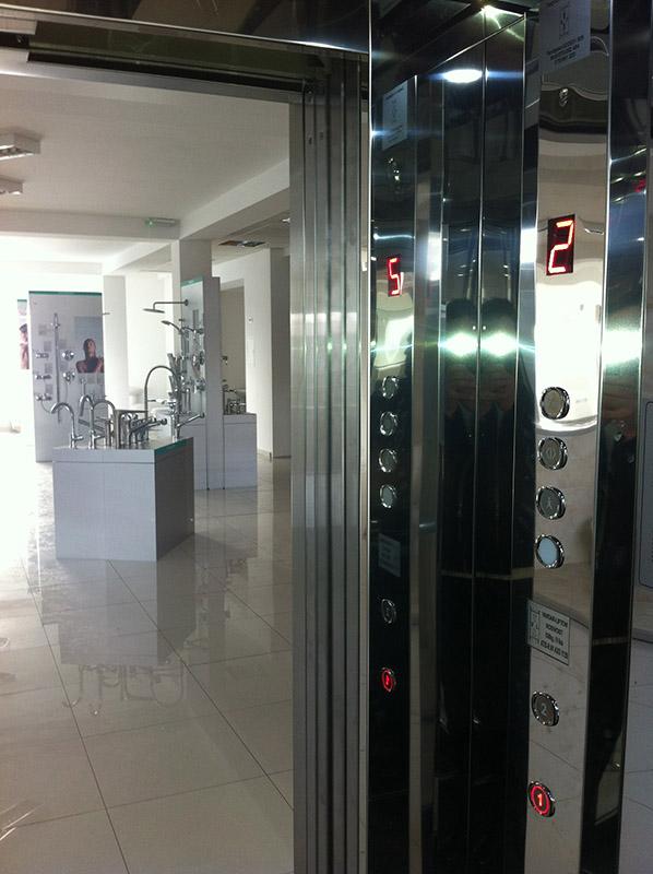 Купувам Панорамен асансьор