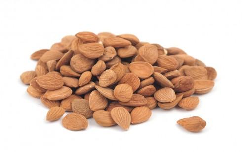 Купувам Кайсиева ядка, абрикосовое орешки , apricot nuts