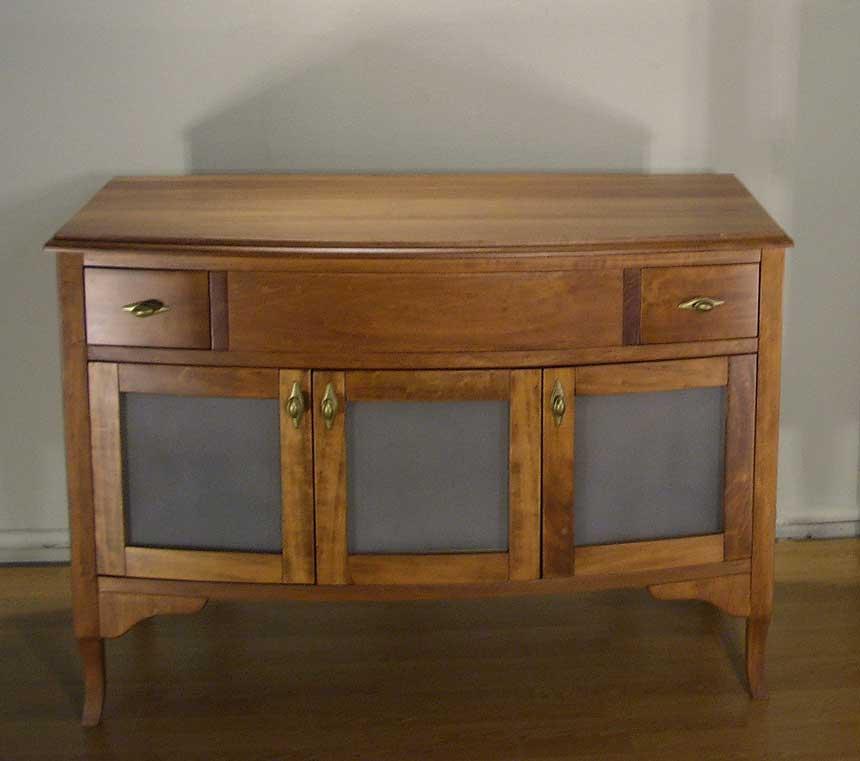 Купувам Нисък дървен шкаф Бета