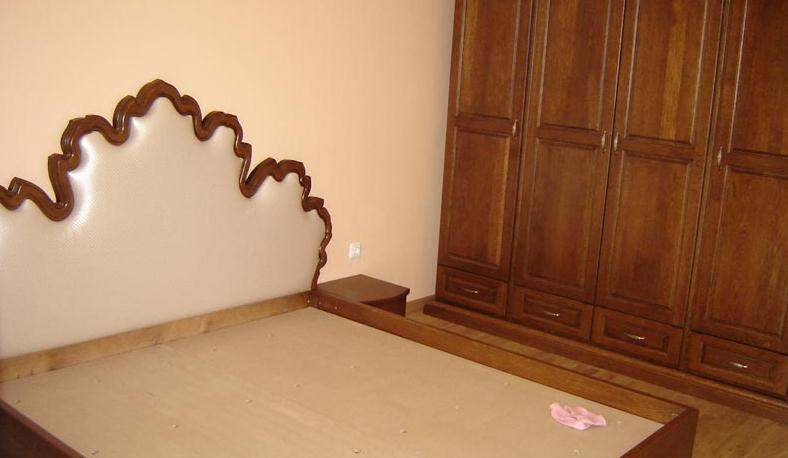 Спалня, резбована