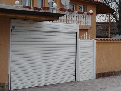 Купувам Ролетни гаражни врати