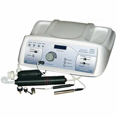Купувам Комбиниран апарат за йонофореза, дезинкрустация, дарсонвализация и четков пилинг