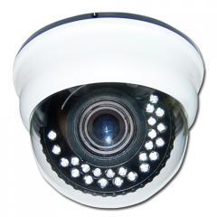 Цветна варифокална куполна камера