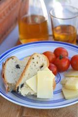 Маслинов хляб с риган