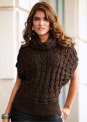 Пуловер с лъскави нишки