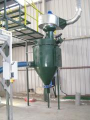 Filtering dust collectors