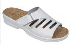 Дамски чехли и обувки