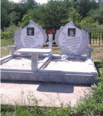 Двойни паметници
