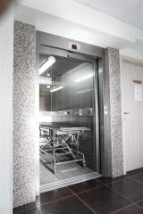 Болнични асансьори