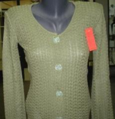 Пуловери женски