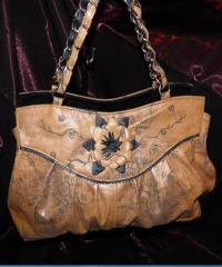 Дамска чанта с кожено цвете