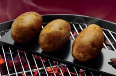 Поставка за печени картофи