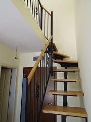 Метални вити стълби