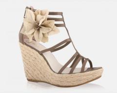 Teen sandals
