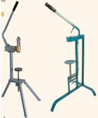 Ръчни машини за коркови и силиконови тапи.
