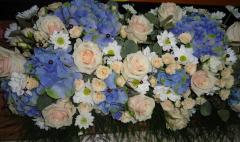 Букети и композиции от живи цветя