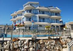 Бутиков хотел на първа линия на морето