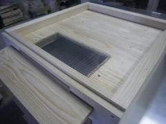 Floors for hives