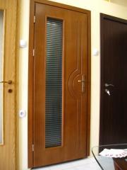 Интериорна врата от МДФ с естествен фурнир