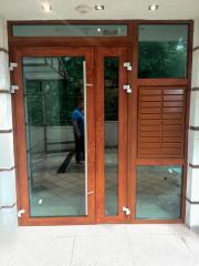 Висококачествени прозрци, врати и комарници