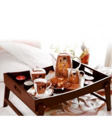 Масички за закуска в леглото | Подноси и табли за сервиране