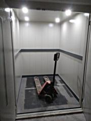 Товарен асансьор