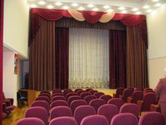 Astra  електрически корниз за театрална завеса.