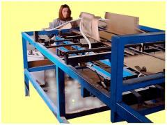 Полуавтоматична машина за лепене на кашони