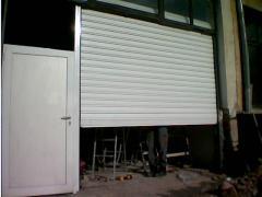 Ролетни промишлени врати без изолация