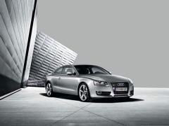 Автомобил Audi A5 Coupé