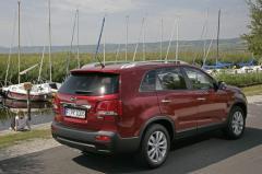 Автомобил KIA Sorento