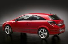 Автомобил Opel Astra H GTC